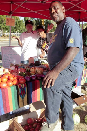 South Madison Farmers Market Has New >> Robert Pierce Urban Farmer Fights Food Injustice With Ex Cons And